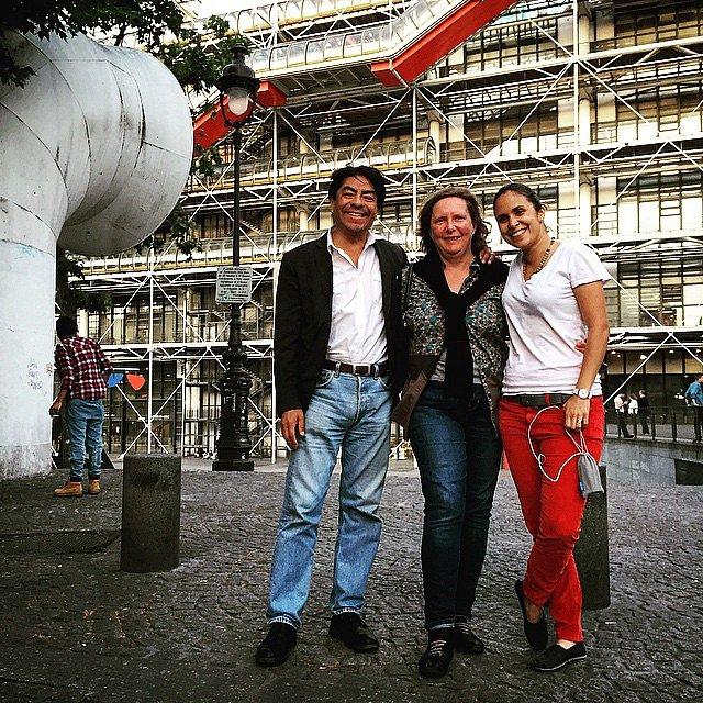 Acá en París con Alberto Ramírez, Fanny y Laura antes de cenar. #parís