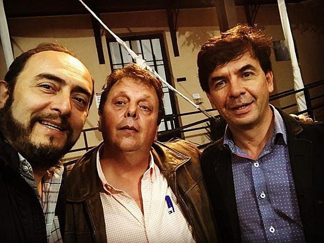 Gran velada recordando a Carlos Monsiváis, aquí con Felipe Haro y el buen Jesús Ramírez en la Fundación.